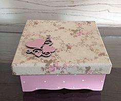 Decoupage Vintage, Decoupage Box, Shabby Chic Boxes, Vintage Shabby Chic, Vintage Scrapbook, Mini Scrapbook Albums, Decor Crafts, Diy And Crafts, Pretty Box
