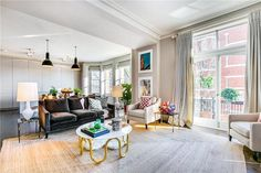 Property for sale in Kensington Mansions, London