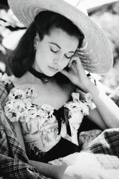 Vivien Leigh resting on the set of Gone With the Wind (1939) - Academy Awards, Best actress