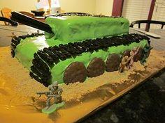 Army Cake - Soooo easy to make and my son would loooove it (maybe I'll make one in May ;o)