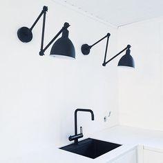 Kitchen renovation ideas at @heinassaheiluvassa Bazar - By Rydens #byrydens #bazar #sessaklighting #sessak #lighting #interior #interiorstyling #interiordesign #interiordecor #homeinterior #sisustus #valaisin #seinävalaisin #scandinaviandesign #scandinavianhome #interiorinspo