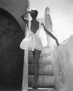 Sue Jenks wearing a summer outfit by Joset Walker, 1952. Photo by Henry Clarke. my-girl-wears