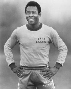 Edson Arantes do Nascimento, mais conhecido como Pelé, foi o maior futebolista de todos os tempos na história do futebol mundial. Recebeu o título de melhor jogador do século XX pela FIFA (Federação Internacional de Futebol Associado) e uma série de prèmios e distinções mundiais.