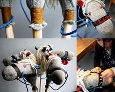 Fijaos lo fácil que es hacer un juguete tan divertido para los niños como es un caballito!   Con un calcetín y guata para el relleno, unos ...