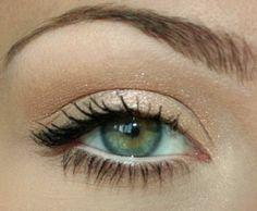 Love this simple eye makeup