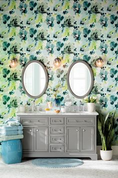 Get inspired with traditional, bathroom ideas and photos for your home refresh or remodel. Wayfair offers thousands of design ideas for every room in every style. Eclectic Bathroom, Modern Bathroom Decor, Home Decor Bedroom, Modern Decor, Traditional Bathroom, Traditional Decor, Nautical Theme Decor, Interior Decorating, Interior Design