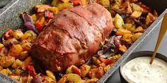 Italiensk farsbrød i ovn med grøntsager Spaghetti Bolognese, Salsa Verde, Oven Baked, Meatloaf, Pot Roast, Baking Recipes, Pork, Beef, Dinner