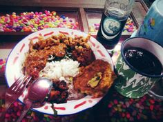 Nasi PEDESSS khas warung Tuturipah sangat cocok dg minuman limun sarsaparila cap badak asli Siantar. Penasaran? Just come to Warung Nasi PEDESSS Tuturipah, Jl. Arteri Pd. Indah Komplek Kodam P17 (samping BRI) Jakarta Selatan