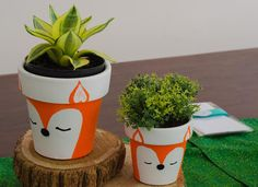 Baby boy shower fox woodland creatures ideas for 2019 Painted Plant Pots, Painted Flower Pots, Flower Pot Crafts, Clay Pot Crafts, Cute Crafts, Diy And Crafts, Fox Party, Woodland Party, Woodland Theme