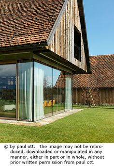 Haus P / Gangoly & Kristiner Architekten ZT GmbH - Paul Ott Pfotografiert Farmhouse Remodel, Modular Homes, Architecture Art, Modern Farmhouse, Interior Decorating, Shed, House Design, House Styles, Outdoor Decor