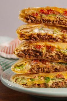 Best Crunchwrap Supreme Recipe - How to Make a Copycat Taco Bell Crunchwrap Supreme Mexican Dishes, Mexican Food Recipes, Mexican Desserts, Ethnic Recipes, Taco Bell Crunchwrap Supreme, Homemade Crunchwrap Supreme, Crunch Wrap, Ground Beef Recipes, Ground Beef Dishes