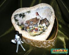 Decoupage box. Two-step crazing. Gold heart. Master Class with photos