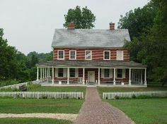 One day I'll have my dream plantation house. Hundreds of yrs old with a little bit of land in the country. Clan Buchanan, James Buchanan, Lancaster County Pennsylvania, Presidential Libraries, Cute House, Plantation Homes, American Presidents, Celebrity Houses, Early American