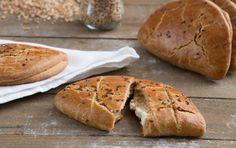 Ζύμη κουρού Greek Dishes, Shortcrust Pastry, Greek Recipes, Croissant, Finger Foods, Cooking Recipes, Pie, Bread, Snacks