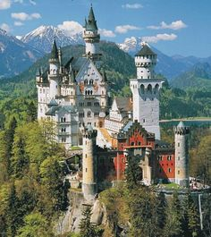 Neuschwanstein Castle, Schwangau, Germany. Побудуй свій замок з конструктора http://eko-igry.com.ua/products/category/165873