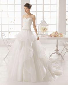 MEDIEVO vestido de novia de Aire Barcelona 2016
