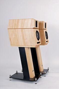 High end speakers NEO Crystal 1 #neohighend #alpha #tripod #doubletripod #quattron #highendspeakers #luxuryaudiorack #accuton
