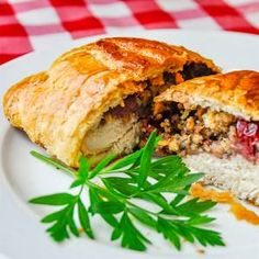 Chicken Wellington with Cranberry Pecan Stuffing. - Chicken Wellington with Country Cranberry Pecan Stuffing. chicken breast, cranberries & a nutty stu - Rock Recipes, Fall Recipes, New Recipes, Dinner Recipes, Holiday Recipes, Chicken Wellington, Turkey Recipes, Chicken Recipes, Chicken Empanadas