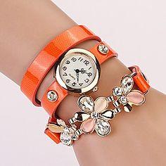 reloj de esfera blanca crytal flor de tres capas banda de cuero pulsera de moda de cuarzo colgante al azar de las mujeres (color surtidos) – USD $ 6.99
