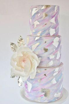 30 Stunning Metallic Wedding Cakes | see them all on www.onefabday.com #weddingcakes