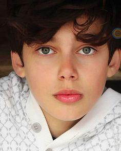Cute Teenage Boys, Cute Boys, Mode Emo, Cute 13 Year Old Boys, Cute Blonde Boys, Beauty Of Boys, Kissable Lips, Portraits, Boy Models