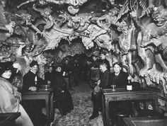 """Heaven and Hell nightclubs of Paris: Cabaret de l'Enfer (""""The Cabaret of the Inferno"""") -- Satanically themed nightclub in Montmartre Cabaret, Images Terrifiantes, Goth Club, Paris 1900, Paris France, Punic Wars, Les Fables, Creepy Photos, Macabre"""