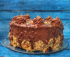 Ferrero Rocher torta – Cake by fari Salty Cake, Cake Tins, Ferrero Rocher, Original Recipe, Clean Eating Snacks, Quick Easy Meals, Chocolate Recipes, Nutella, Cookie Recipes