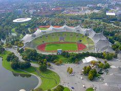 Olympiastadion München, Múnich, Alemania. Capacidad 69.250 espectadores, Equipos locales el Bayern Múnich y el TSV Múnich 1860. El estadio se usa para otras competiciones deportivas, varios de ellos sobre nieve. Asimismo, el Deutsche Tourenwagen Masters, el principal torneo de automovilismo de Alemania, disputa desde el año 2010 el Showevent Olympiastadion München