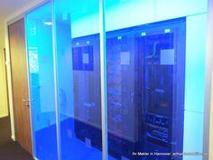 """""""Blaues Licht."""" - """"Was macht es?"""" - """"Es ist blau!"""" :-) Beleuteter Serverraum einer Gewerbeimmobilie in Hannover.- gefunden und gepinnt vom Makler in Hannover: arthax-immobilien.de Lockers, Locker Storage, Lost, Cabinet, Places, Furniture, Home Decor, Commercial Real Estate, Hannover"""
