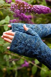 Ravelry: Herbaceous Mitts pattern by Julie Tarsha free pattern .... knitting wgt