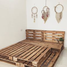 Adorable Pallet Bed Ideas You Will Love - Crafome - - Pallet beds are of great interest because they are useful, long-lasting and suitable for every style. Here are the beautiful pallet bed ideas.