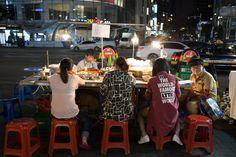 명동의 포장마차 2015  snack,food cart of  Myeongdong, Seoul  명동의  #포장마차 풍경,,,생각보다 다양한 포장마자가 등장을 했습니다...  #명동  Myeongdong https://en.wikipedia.org/wiki/Myeong-dong  #디스크, #체형교정, #사상체질, #다이어트, #통증 전문 #우리들한의원 대표원장 #김수범 한의학박사   http://www.wooree.com  #무료앱  free app.  http://www.iwooridul.com/app-update