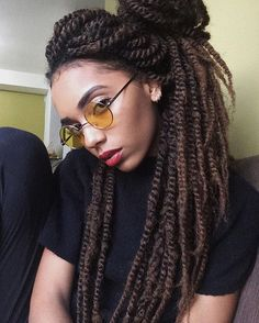 ✨ óculos lindo @uigafas E sobre o marley hair do twist (@love_samsbeauty) calma gente o vídeo com todas as dúvidas sai na outra semana! #twist #braid #thickbraid