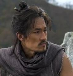 Han Jung Soo / 한정수 as somebody put it KOrea seems to have an endless supply of gorgeous men...O.o