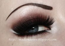 I would just do the colour on top and leave the bottom bare. Dark brown shadow with black liner. Pinned from the (AKA MUG) idea gallery. Makeup Geek, Love Makeup, Makeup Addict, Makeup Tips, Beauty Makeup, Makeup Looks, Hair Makeup, Hair Beauty, Makeup Ideas