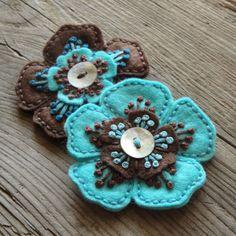 Flowers Blue Bloemen 19 Ideas For 2019 Fabric Art, Fabric Crafts, Sewing Crafts, Felt Embroidery, Felt Applique, Felt Flowers, Fabric Flowers, Pretty Flowers, Felted Wool Crafts