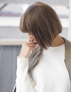 お手入れ簡単ブラントボブ EN232   ヘアカタログ・髪型・ヘアスタイル AFLOAT(アフロート)表参道・銀座・名古屋の美容室・美容院