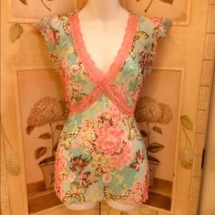 ⬇️FINAL MARKDOWN⬇️Rue 21 Floral Print Top Soft, sheer top with lace trim. Never worn. Rue 21 Tops