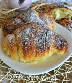 croissants browsed homemade recipe step by step Croissants, Mexican Dessert Recipes, Italian Desserts, Homemade Dinner Rolls, Italian Pastries, Sicilian Recipes, Omelette, Sweet Bread, Food Inspiration