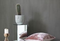 RAW Design blog - Mirror pedestal