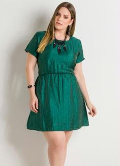 Vestido Acinturado Verde Plus Size - Posthaus - R$ 79,99 #PlusSize