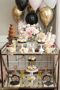30 Best Ideas Of New Years Eve Decor For Home Decor - Make decorating your home for New Years Eve party a pleasure instead of a stressful nightmare. Organization and planning helps you keep on top of you. New Year's Eve Party Themes, New Years Eve Party Ideas Decorations, Decor Ideas, New Years Eve Games, New Year Diy, Nye Party, New Years Eve Birthday Party, Diy New Years Party, New Year Celebration
