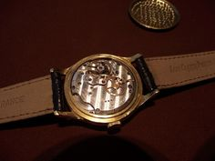 オーデマピゲ VZSSc 50年代。クロノメータのベースムーブで、バルジューVZを極限まで仕上げてあります。このVZはAPだけでなく、ベースムーブとして、パテックやバシュロンでも使われました。  Audemars Piguet VZSSc movement.  50s.  This beautiful chronometer-base movement is based on Valjoux VZ movement.  Patek, Vacheron also employ the same movement as a chronometer base movement and brush-up quite well.