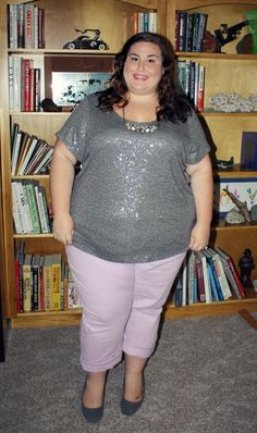 We love Rebecca from and her take on cuffed pastel jeans paired with a fun, sparkly top. Thick Girl Fashion, Curvy Women Fashion, Plus Size Fashion, Plus Size Mini Dresses, Plus Size Outfits, Women Looking For Men, Plus Size Summer Outfit, Looks Plus Size, Full Figure Fashion