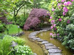 Beautiful DIY Garden Paths And Inspiration – The Owner-Builder Network Garden Paths, Garden Landscaping, Garden Pond, Stepping Stone Paths, Stone Walkway, Water Features In The Garden, Garden Pictures, Parcs, Plantation