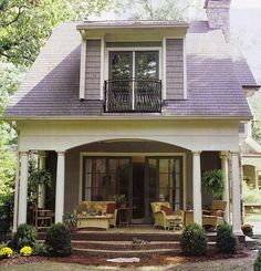 loft & cottage: from the idea book: architecture// I like this very much I would love to have this house there's others on there that are just pretty she has the same taste in colors as I do Thank You Casey from loft and cottages Style Cottage, Cute Cottage, Cottage Living, Cottage Porch, Living Room, Craftsman Cottage, Lavender Cottage, House Porch, Cottage Exterior