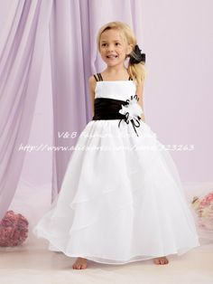 New Arrival Puffy Organza Black and White Flower Girl Dresses for Weddings KF082 US $85.36