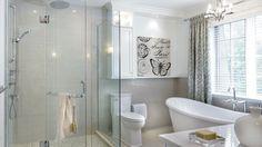 Tout en raffinement | Les idées de ma maison © TVA Publications | François Laliberté #deco #salledebain #blanc #douche #bain #blanc