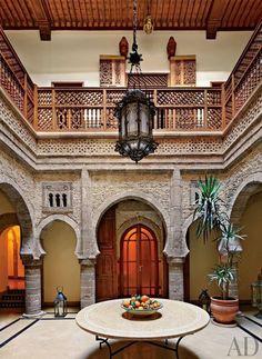 Moroccan Courtyard House | photo simon watson