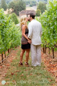 Anniversary portrait at Allison Inn & Spa #wedding #anniversary #winecountry #minisession #photography #anniehelen #wine #vineyard